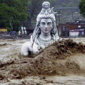 Покачването на реките в Индия достигна рекордни нива.