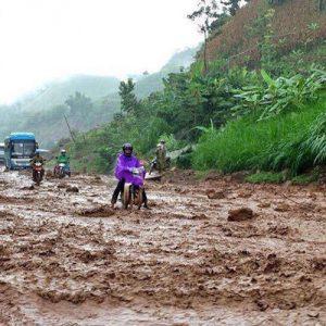 """Тайфунът """"Диана"""" удари Виетнам"""