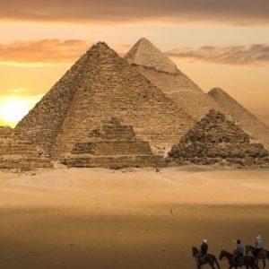 Египтология: изграждането на пирамидите