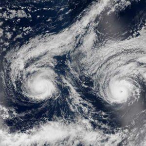 Хавай в подготовка за връхлитането на тропическа буря